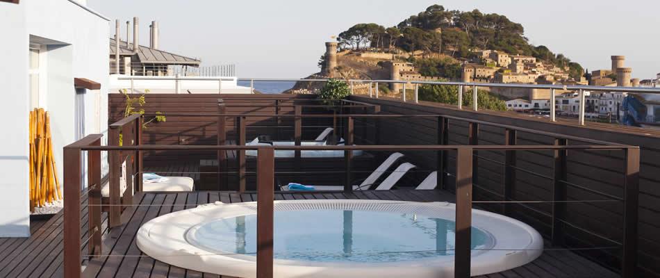 Hotel florida tossa de mar costa brava girona hotel for Hotel familiar girona